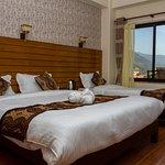 OYO 11460 Hotel Romantica