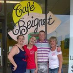 The Crew of Cafe Beignet!!