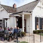 The White House Tavern