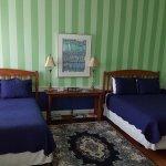 Eagles Inn - 2 Queen Beds