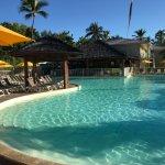très belle piscine, agréable