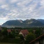 vue panoramique d'Annecy au chateau de Menthon