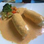 Filete de pescado relleno de jaiva con salsa de chile xcatic, simplemente delicioso!
