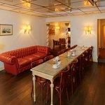 Salon et Salle petit-déjeuner Hôtel Royal Wilson au centre de Toulouse Occitanie