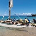 Canoe Kaʻililāʻau launching