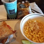 Corner Bakery Cafe照片