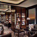 Club Lounge - Library
