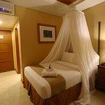 Deluxe Room Honeymoon Set-up