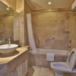Bathroom with Complete Amenities