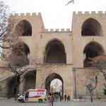 Cara a la Ciudad de la Torre de Serranos