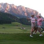 Am Golfplatz bei Sonnenuntergang vor dem Zahmen Kaiser!