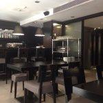 Breakfast area/bar