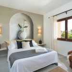 Family Poolside Suite, Master Bedroom