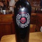 Opusten Dalmatinski ambijent,pasticada med medeni,vino bomba,vesela posada,brz i efikasan servis