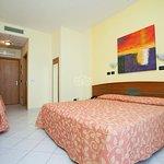 triple-room-sea-view-v8225204_large.jpg