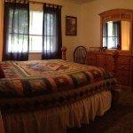 Den 3 master bedroom with queen pillowtop bed