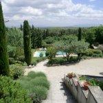 Espace jardin avec piscine
