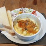 Muchrooms in creamy stilton sauce with fresh bread