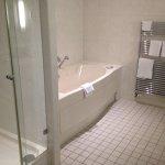 Dusche in Junior-Suite
