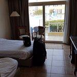 Photo de Mediterranean Azur Hotel
