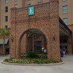 Photo de Embassy Suites by Hilton Savannah