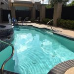 Photo de Holiday Inn Express Hotel & Suites San Antonio Rivercenter Area