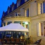 Chateau Pomys (terrasse arrière: restaurant)