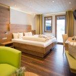 Photo de Hotel Sonnhalde