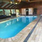 Piscine jacuzzi et sauna