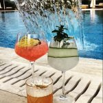 Refreshing Coctails by the pool....!!!!!