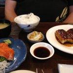 Salmon Sushi and Unagi set