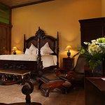 Kayu Arum Suite Room