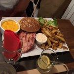 Assiette mini welsh mini burger merguez jambon grillé