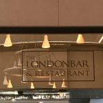 Foto de The London Bar