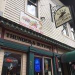 Thunder & Buttons II照片