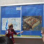 Ina givinig us some historical background and an overall descrption of the palace.