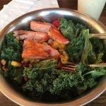 Salmon Kale Mango, Walnut, Mango Vinaigrette ❤️