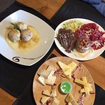 Carne salada, canederli e formaggi misti