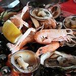 Assiette de fruits de mer dans le menu Escale