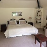 Twin / kingsize Garden Room with en suite bathroom/shower