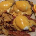 Eggs Benedict combo