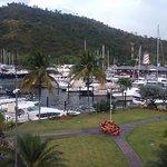 Imagen de Crews Inn Hotel & Yachting Centre