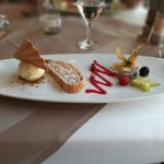Apfelstrudel mit Vanille-Eis