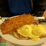 Eggs Benedict and hashbrowns