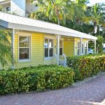 Wicker Inn Beach Resort - Bougainvillea cottage