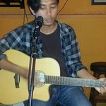 Daily Live Solo Acoustic guitar from 7 - 10pm