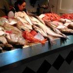 Mercado de Santa Catalina, parada de pescados