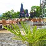 Auch unsere Terrasse lädt mit herrlichem Blick über Ravensburg zum Schlemmen ein