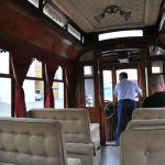 Между экспозициями посетителей везут по территории депо на трамвае