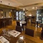 Bar et salle de restaurant